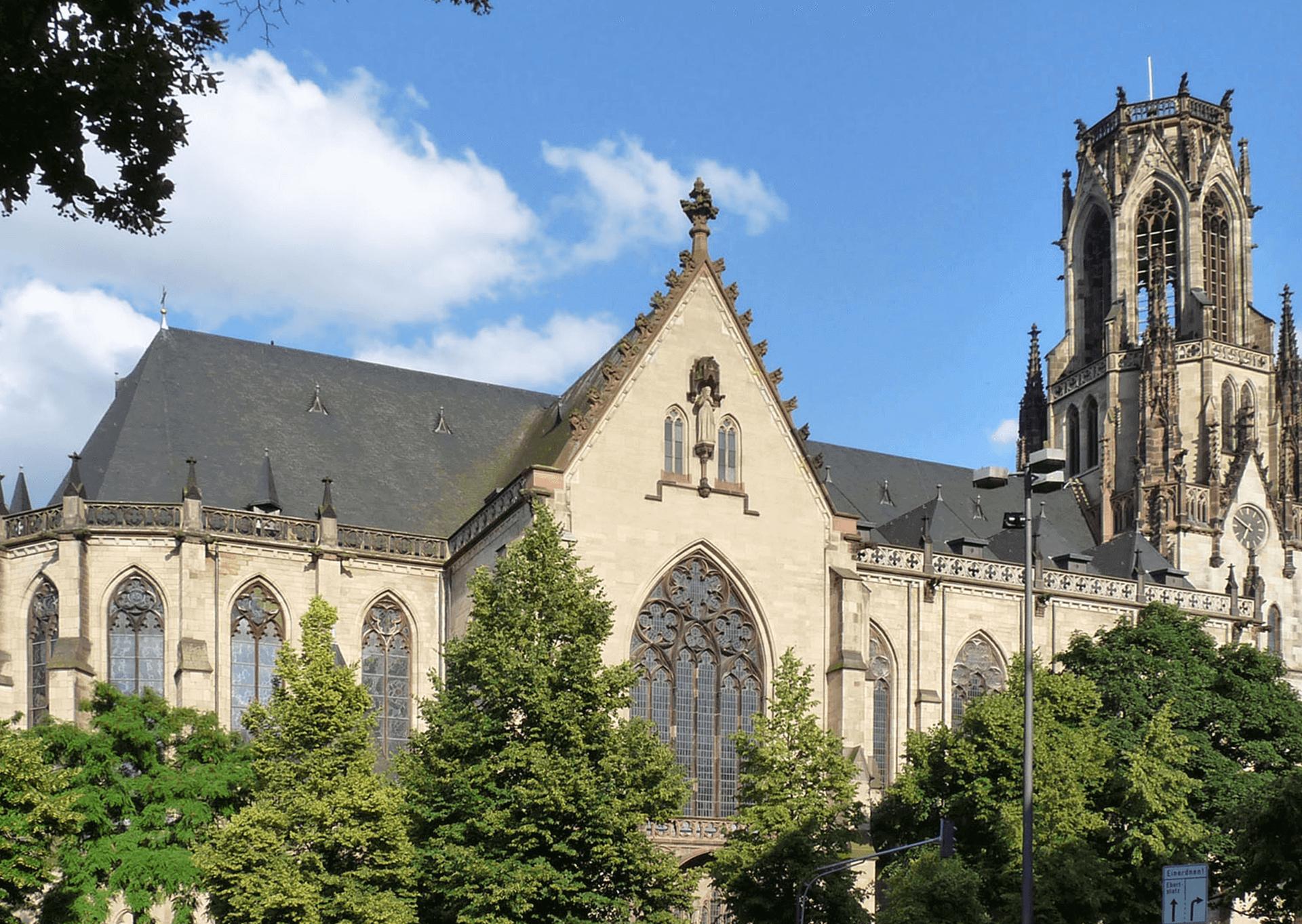 Kirche St. Agnes – Umgestaltung der Zugänge